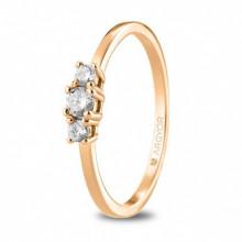 Argolla de compromiso oro rosa con tres diamantes de 0,19ct 74R0083